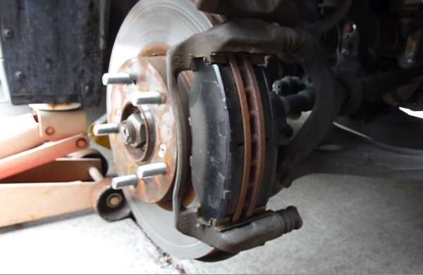 Replace Front Brake Pads On 2004 Honda Accord LX