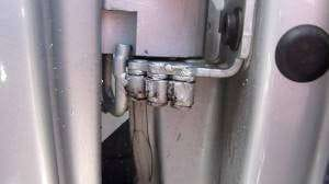 Q7 door hinges