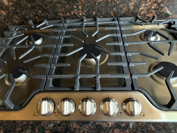 "Frigidaire FFGC3626S 36"" cook top"
